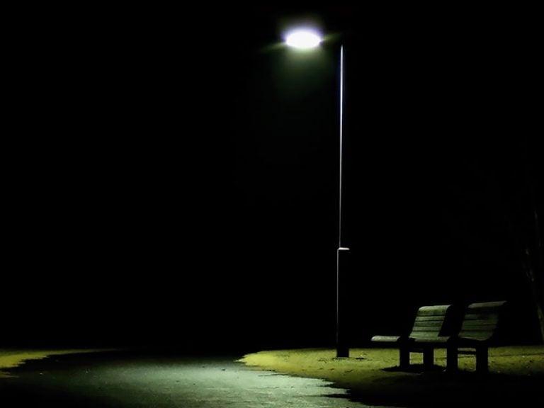 Geçmiş, Yalnızlıkla İlgili Bir Şeydir…